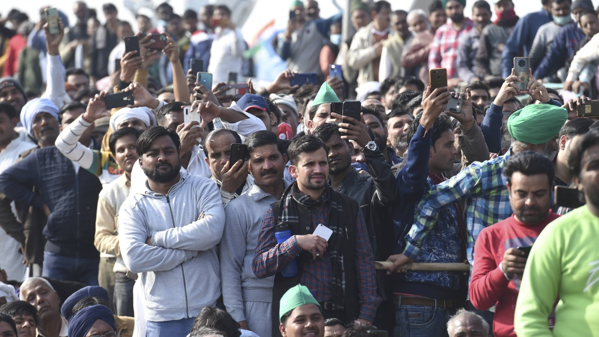 Govt extends temporary internet ban at Singhu, Ghazipur and Tikri borders till 11 pm of February 2