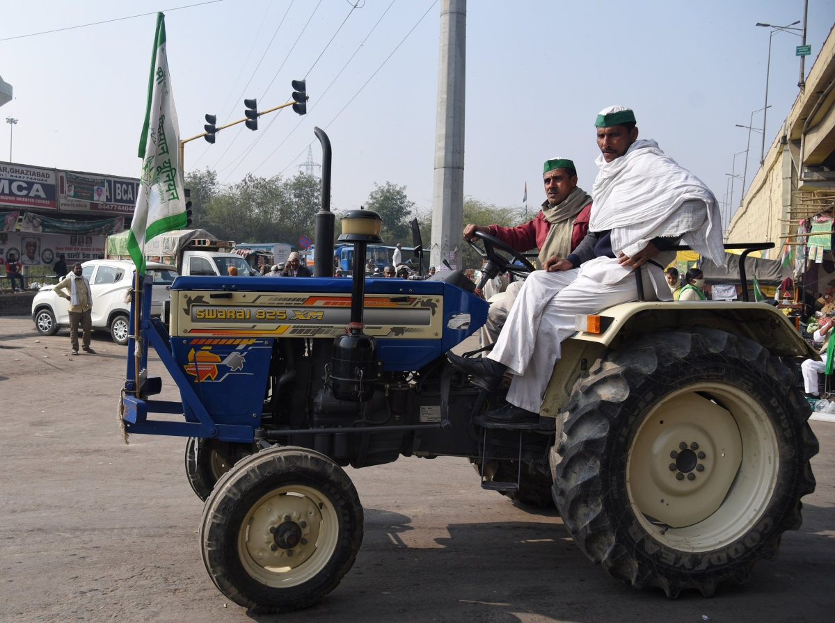 Centre should have discussed  farm laws with states, says Sharad Pawar
