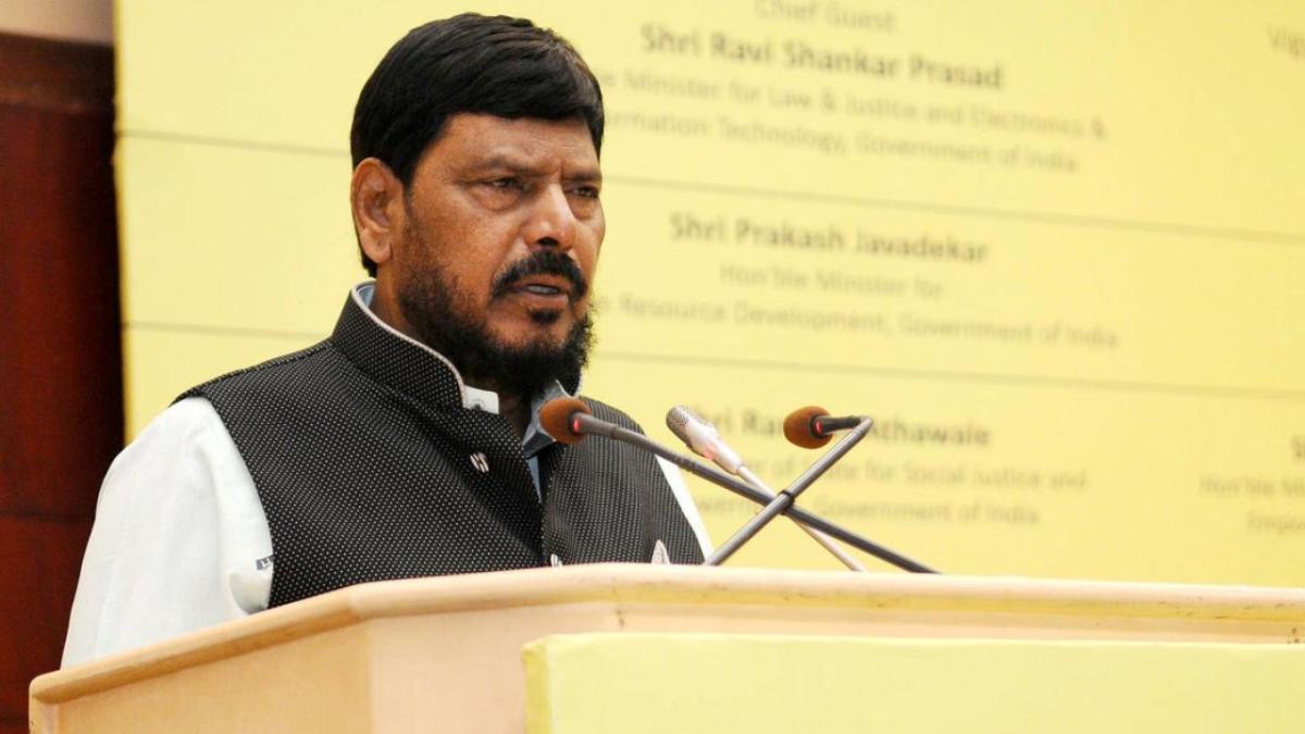 Navi Mumbai: Won't allow disruption of films of Big B, Akshay, says Ramdas Athawale