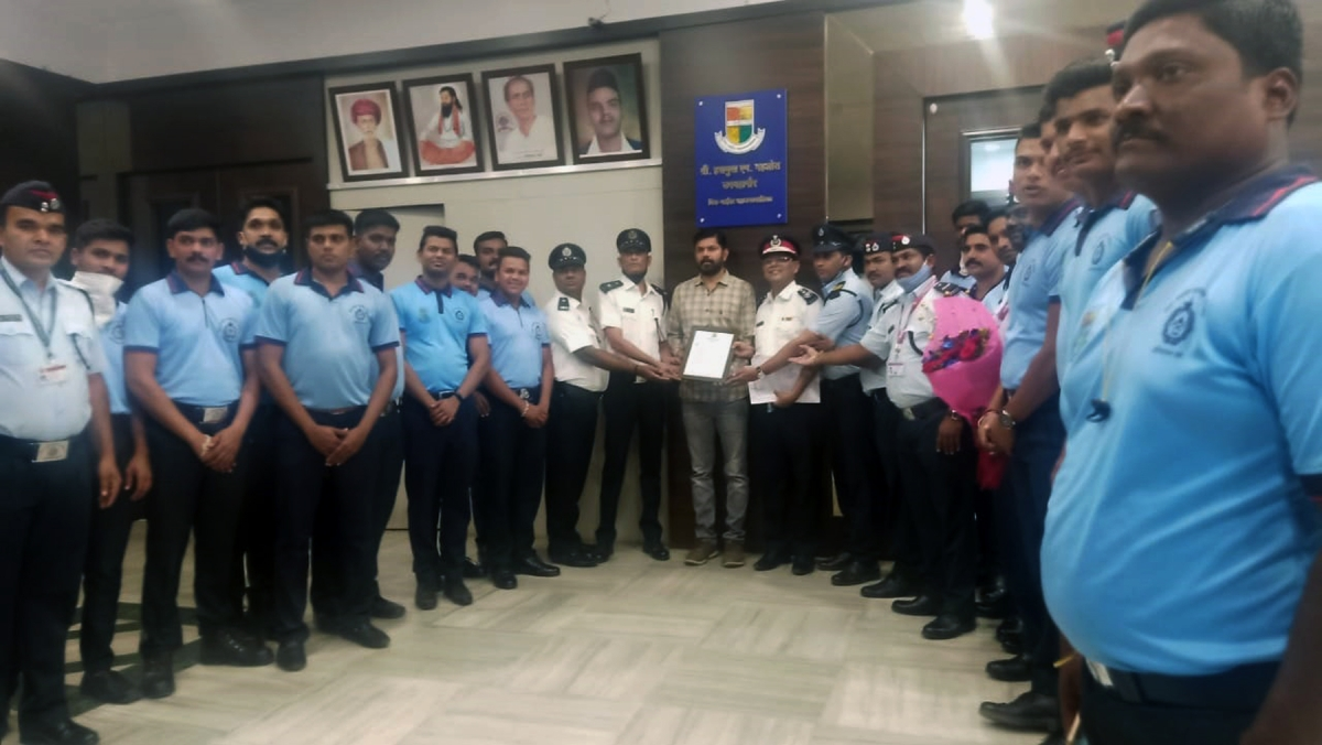 Mira Bhayandar: MBMC firefighters felicitated for timely action in LPG blast incident