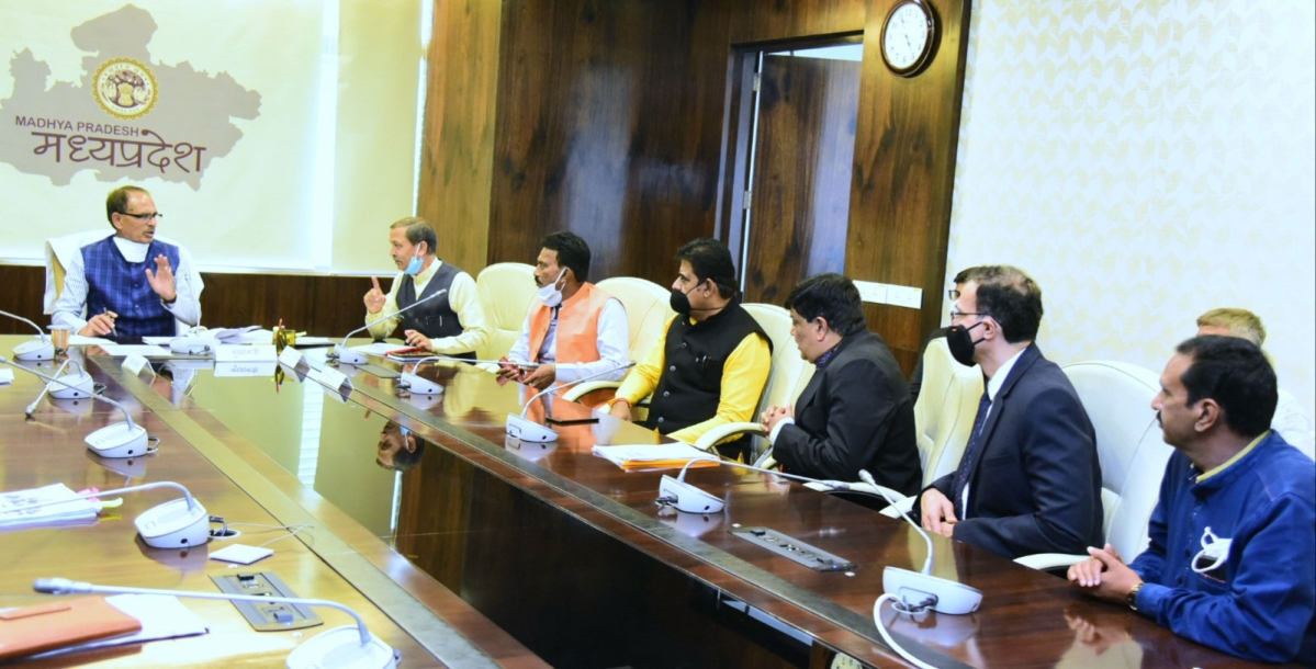 Madhya Pradesh: Indore industrialists meet Chief Minister Shivraj Singh Chouhan, discuss proposed toys and furniture clusters