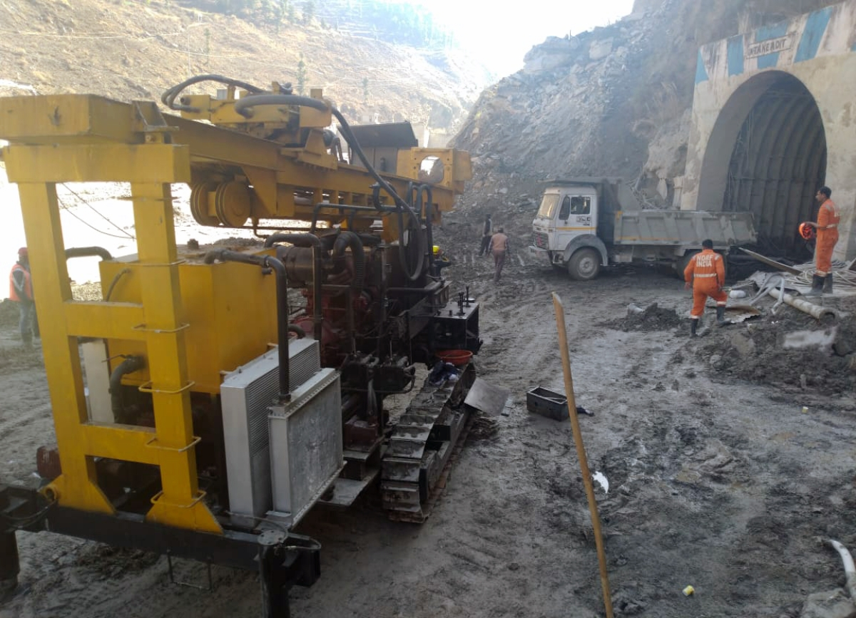 A new machine was been brought into Tapovan tunnel to carry out further drilling.