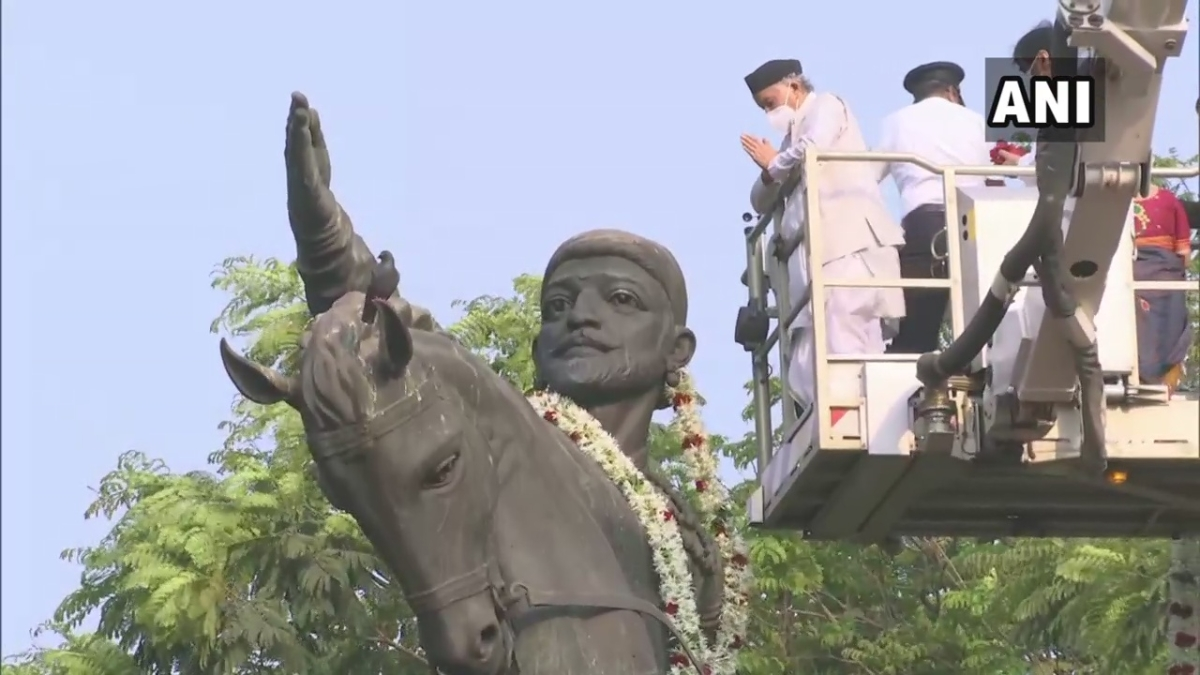 Mumbai: Governor Bhagat Singh Koshyari pays floral tribute to Chhatrapati Shivaji Maharaj