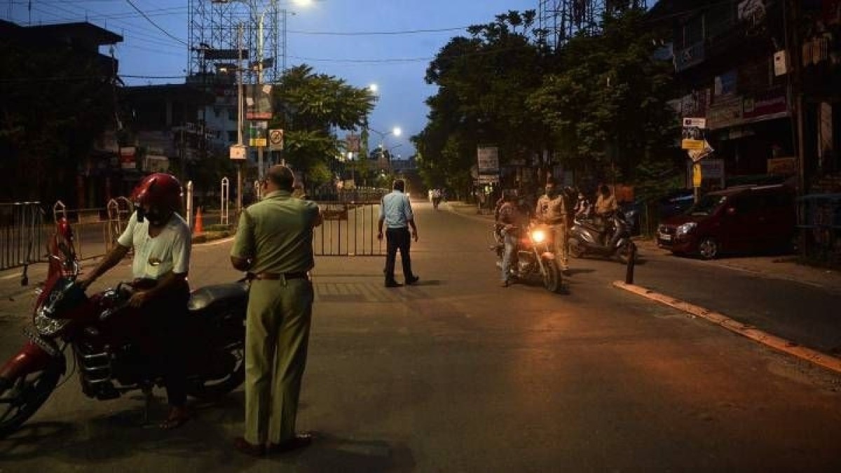 COVID-19 in Maharashtra: Govt answers FAQs on weekend lockdown, night curfew and more