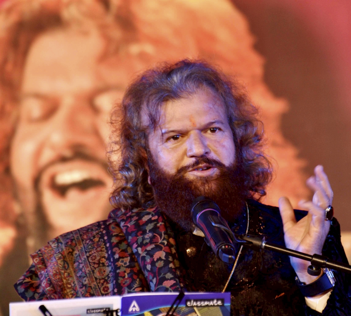 Bhopal: Sufi singer and BJP MP Hans Raj Hans performs during 39th anniversary celebrations  of Bharat Bhawan in Bhopal, Saturday evening