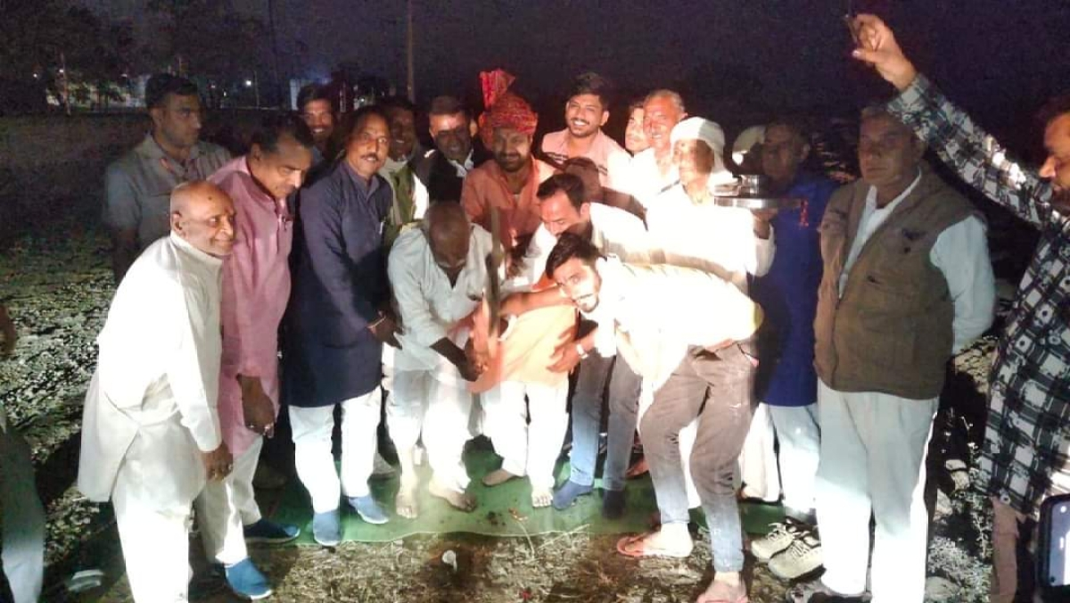 Nagda: Khet Sadak Yojana gets a boost as Congress MLA announces new road in Buranabad village