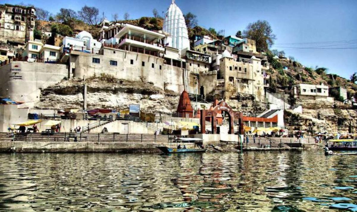 Omkareshwar temple along Narmada river in Khandwa district