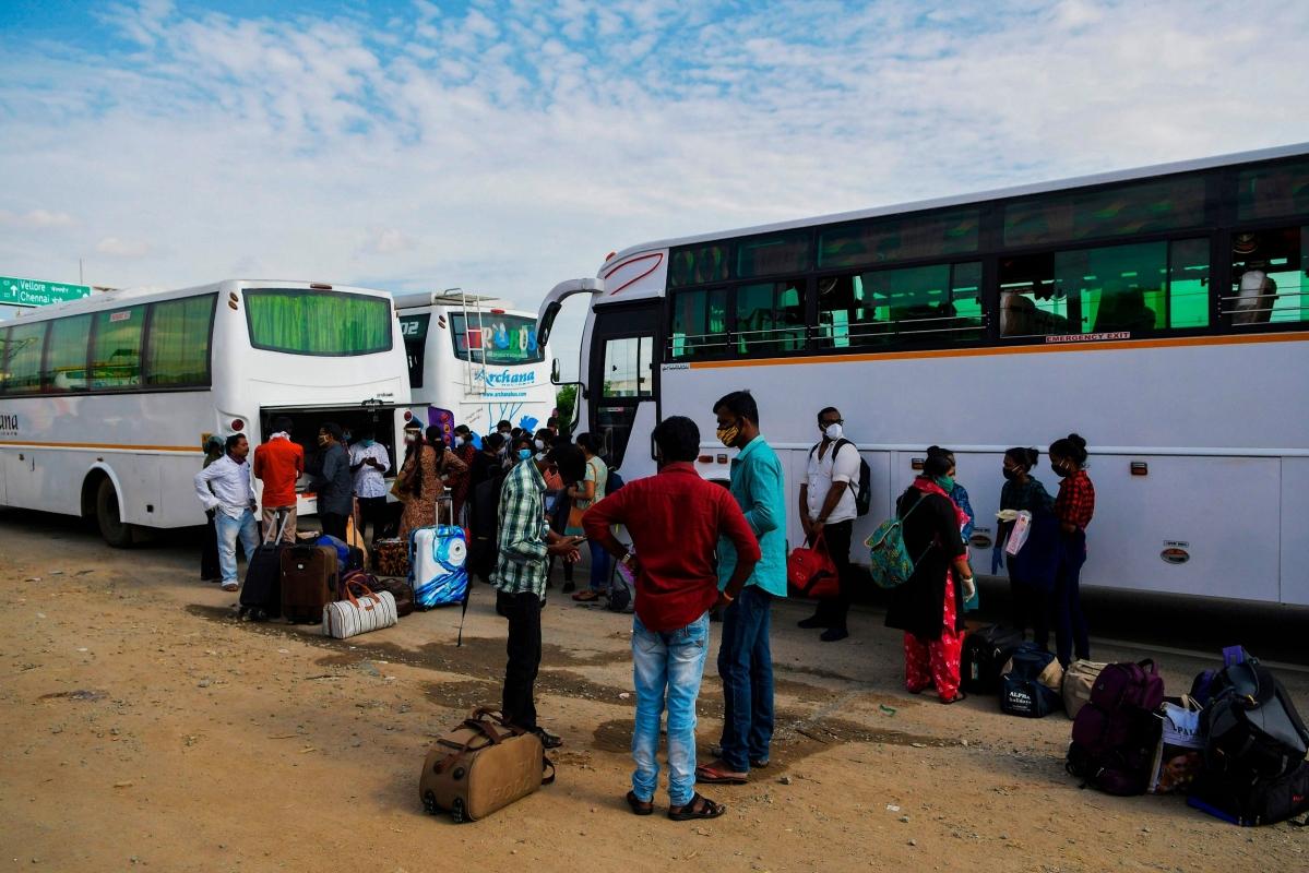 Mumbai: Transport dept to kill speed thrill of intercity bus drivers