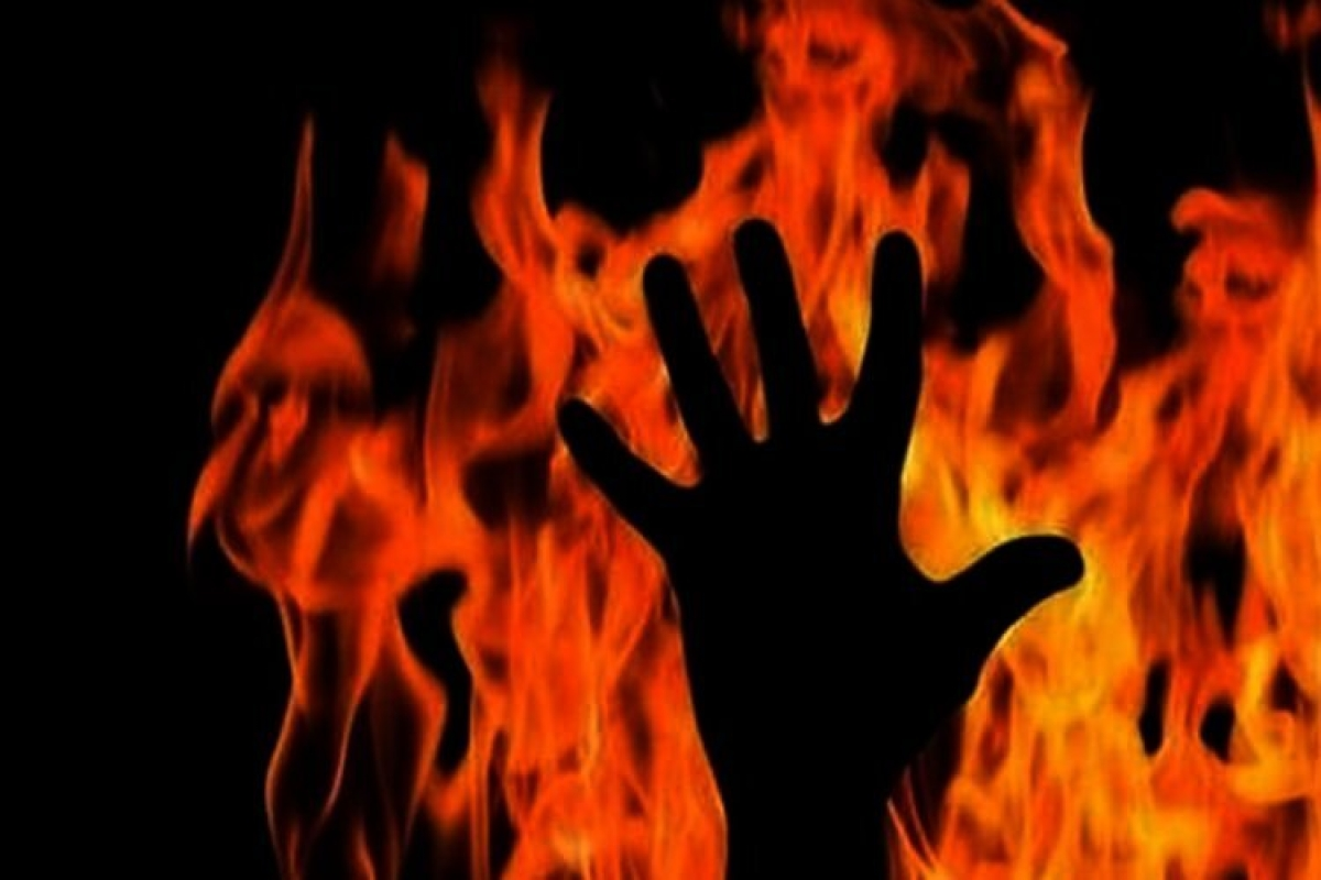 Bhopal: Fed up with eve-teasing, minor sets self ablaze, sustains 90% burns