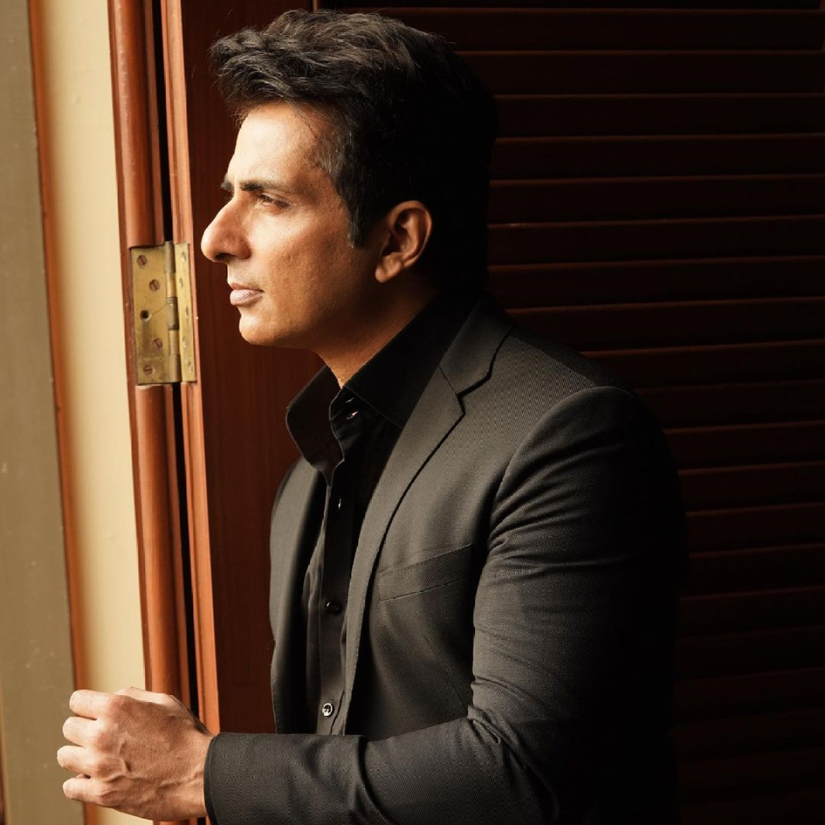 Sonu Sood withdraws petition from SC regarding illegal construction at his Mumbai residence
