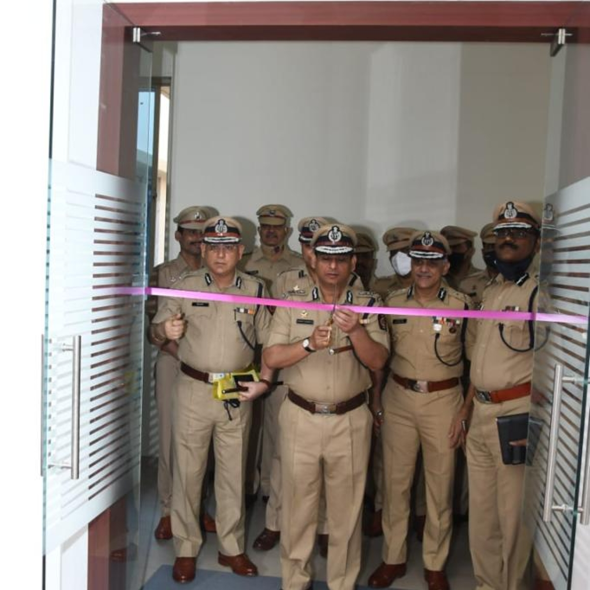 Maha DGP Hemant Nagrale inaugurates MBVV's control room in Mira Road