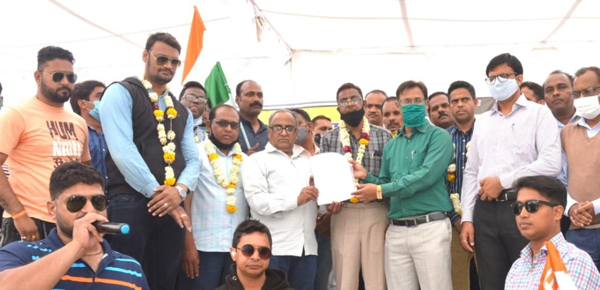 Ujjain: WRMS calls-off relay hunger strike after Railways accepts demands