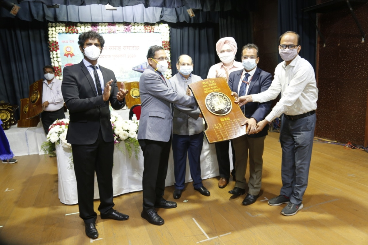 Central Railway's Mumbai Division wins 5 Shields at 65th Zonal Railway Week Function