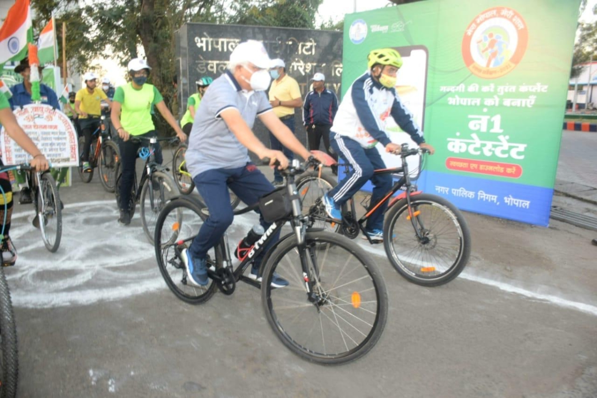 Bhopal officials pedal to spread message of cleanliness, clean city