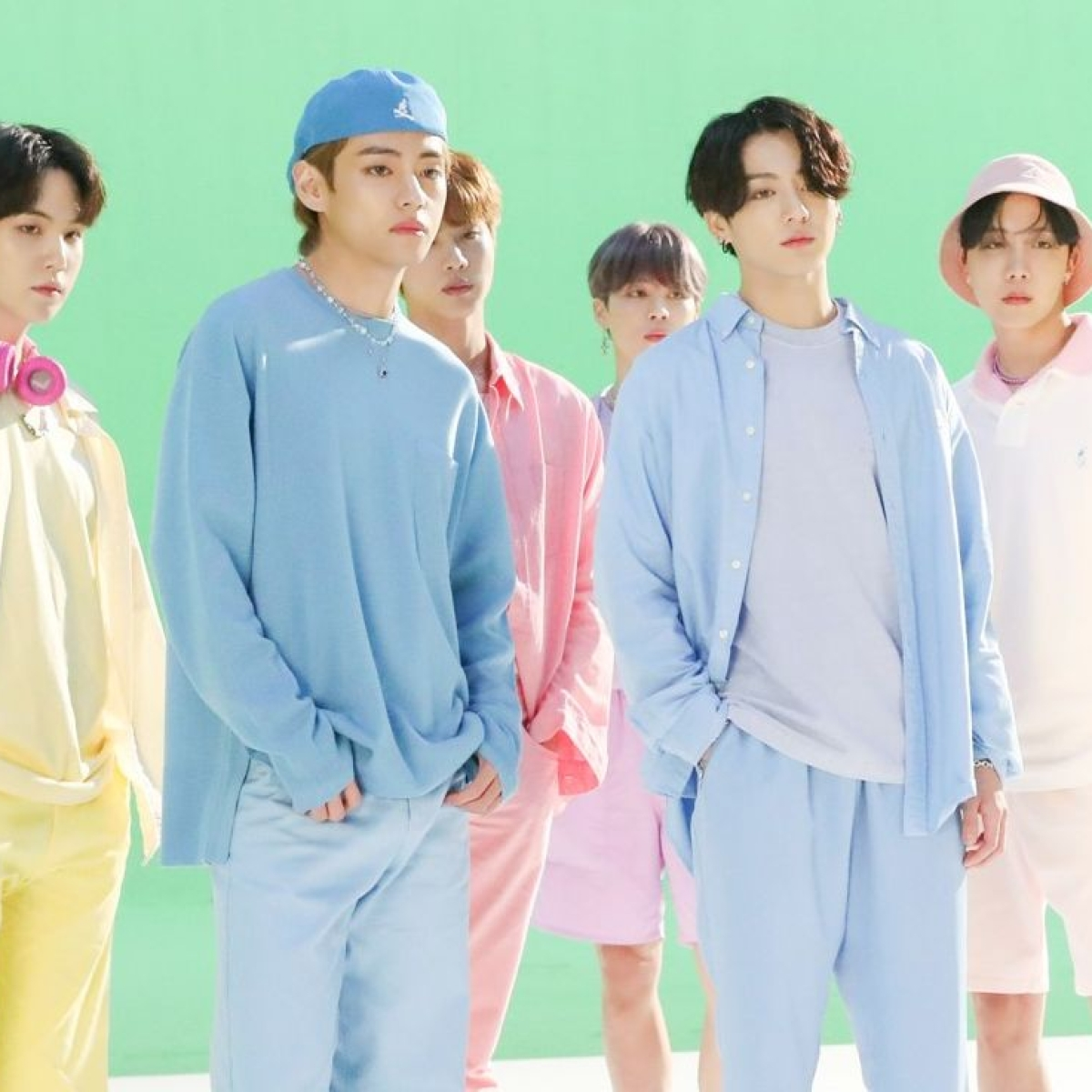 BTS 'Dynamite' costumes sold for a whopping Rs 1.18 crores to Japanese art collectors