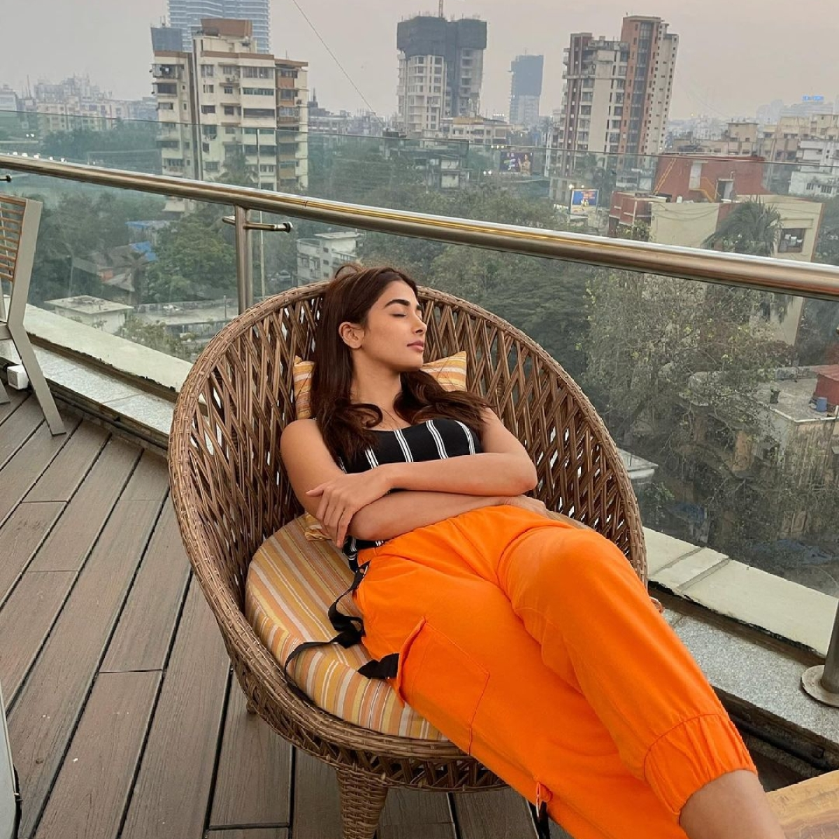 Check out inside pics of Pooja Hegde's new sea-facing apartment in Mumbai