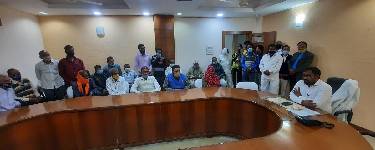 Ujjain: UDA CEO hears plaints of class IV staff