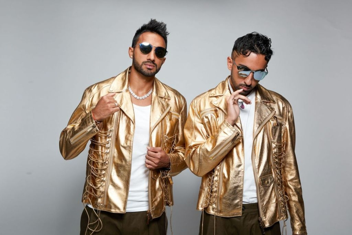 Would like to collaborate with Honey Singh, says musical duo Twinjabi
