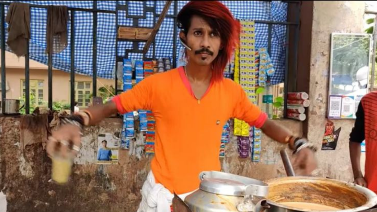 This 'chaiwallah' from Nagpur gets his swag from superstar Rajnikanth; watch his video