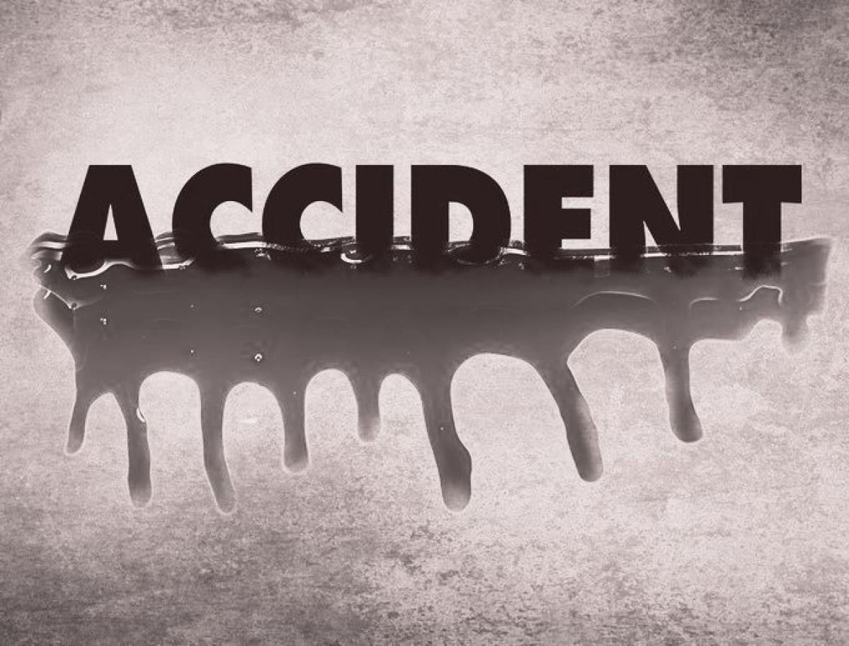 5 killed in car-bus head-on collision on  Ahmednagar-Aurangabad Highway