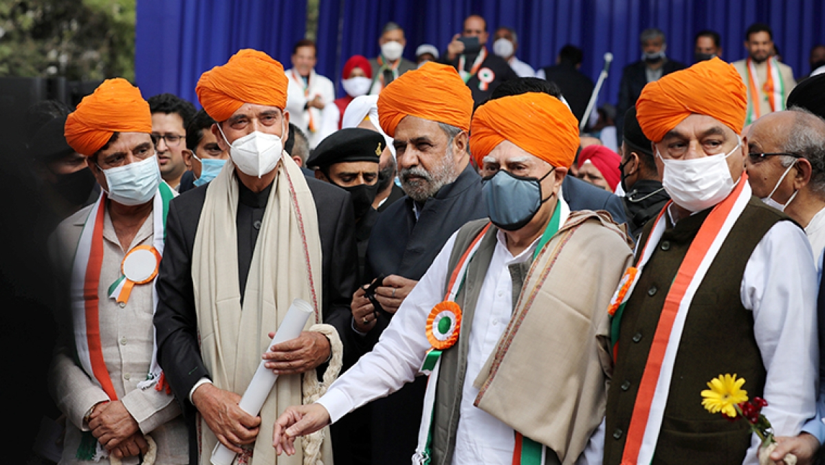 Jammu and Kashmir: Fissures in Congress, rebels put up show of strength