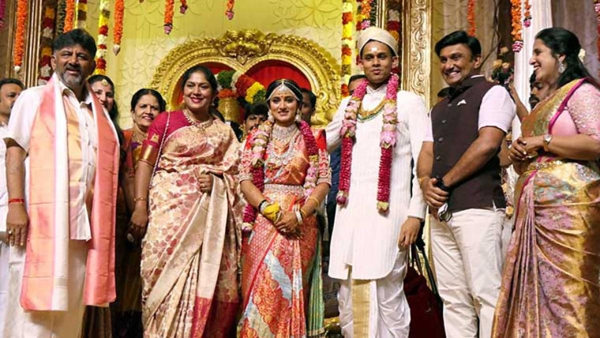 In Pics: DK Shivakumar's daughter Aisshwarya ties knot with CCD founder Siddartha's son Amartya
