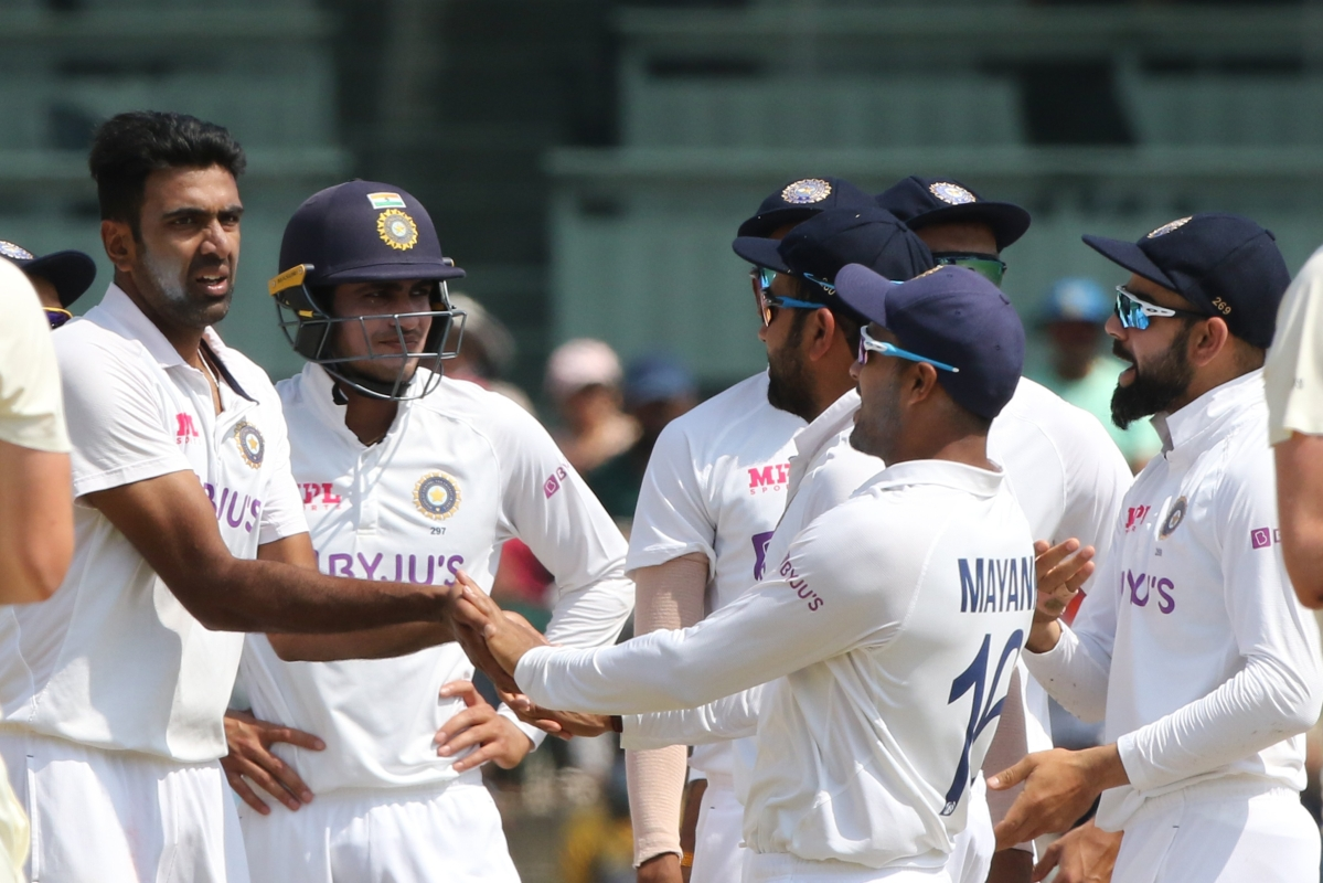Ind vs Eng, 2nd Test: England reeling at 39/4 at lunch, Axar Patel gets Joe Root's wicket on debut