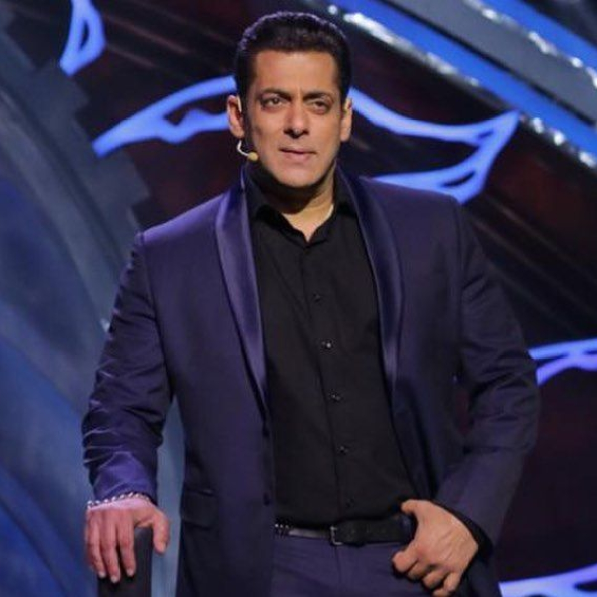 Bigg Boss 14: Salman Khan scolds Rakhi Sawant, asks her to leave the show right away