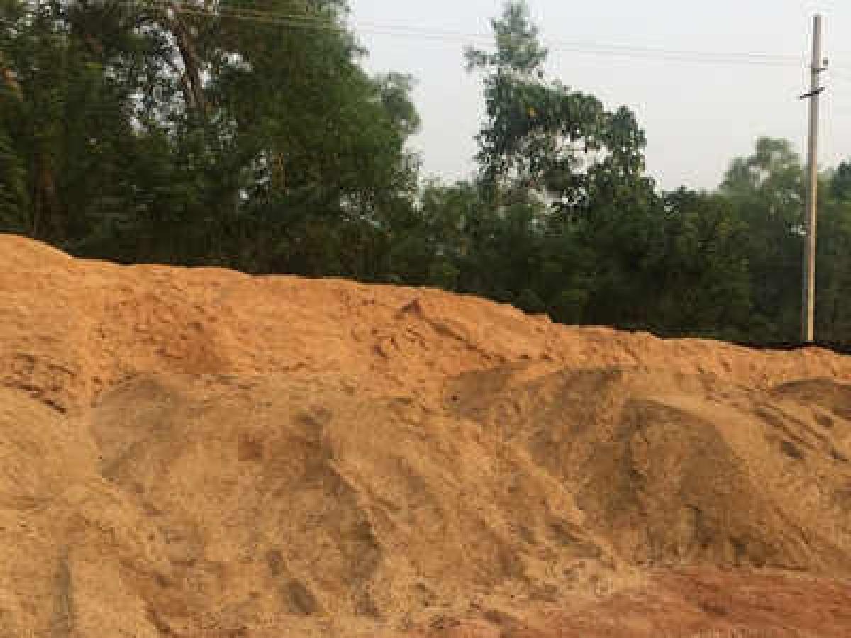 Madhya Pradesh: 3 killed as sand mine caves in at Niwari