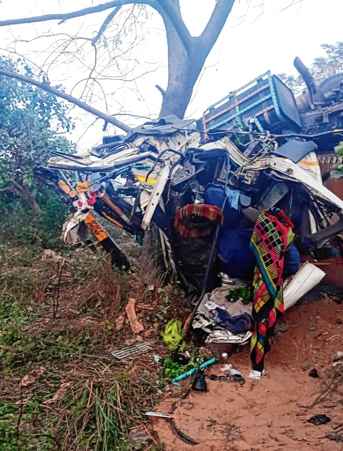 14 Andhra Pradesh pilgrims killed in road accident