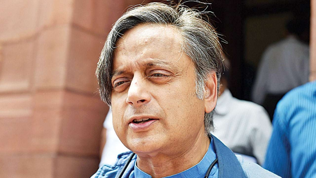 Farmers protest: Shashi Tharoor, Rajdeep Sardesai move SC against FIRs over R-Day violence tweet