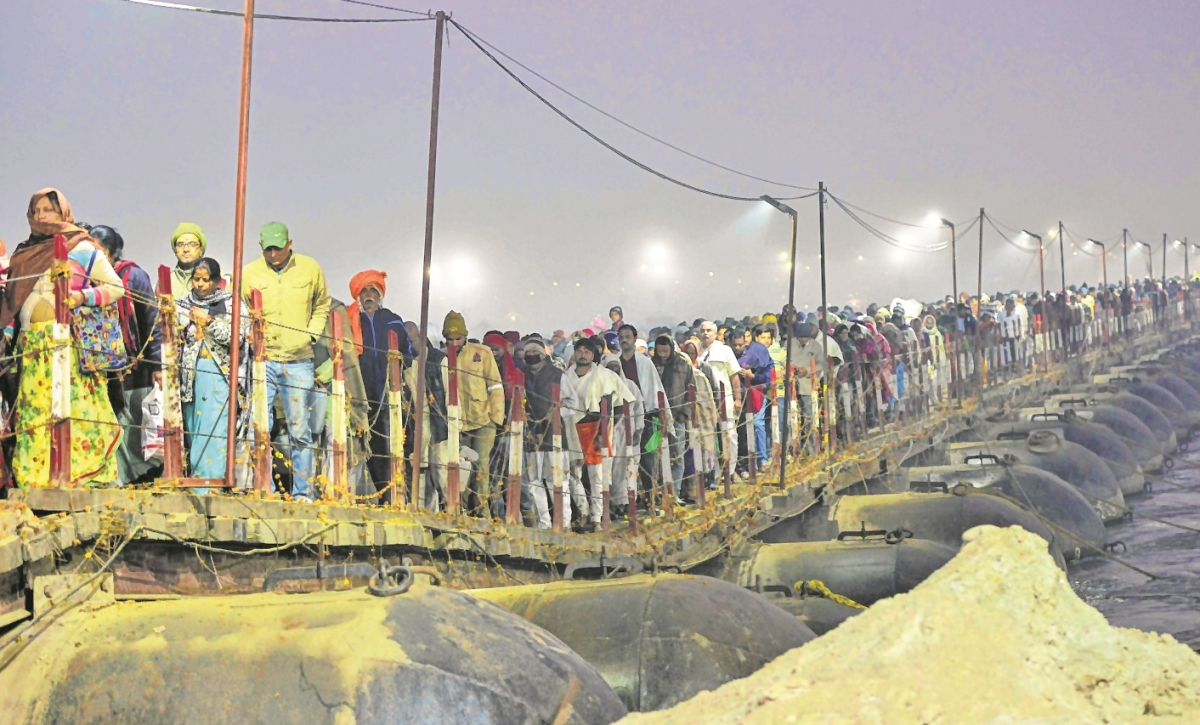Millions take holy dip on Mauni Amavasya