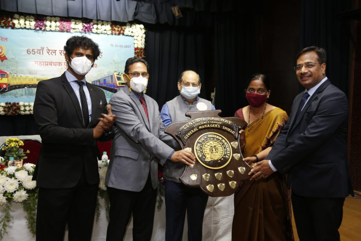 Central Railway GM's Overall Efficiency Shield won by Nagpur and Solapur Divisions Jointly