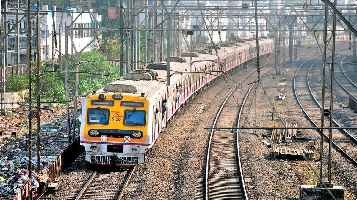 Mumbai: Woman jumps before train at Vikroli station; Cops book husband, in-laws for suicide