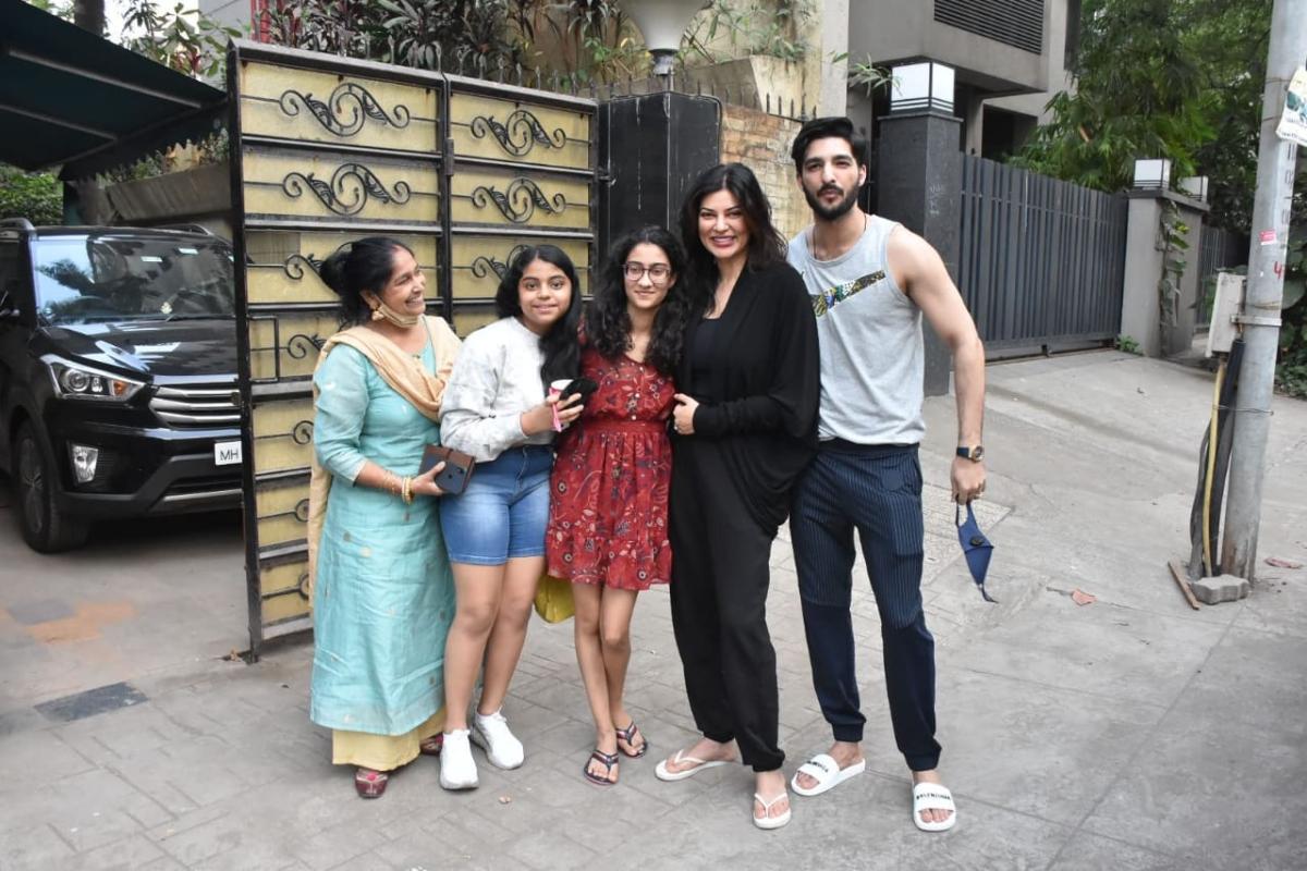 In Pics: Amid break up rumours, Sushmita Sen steps out with boyfriend Rohman Shawl on Valentine's Day