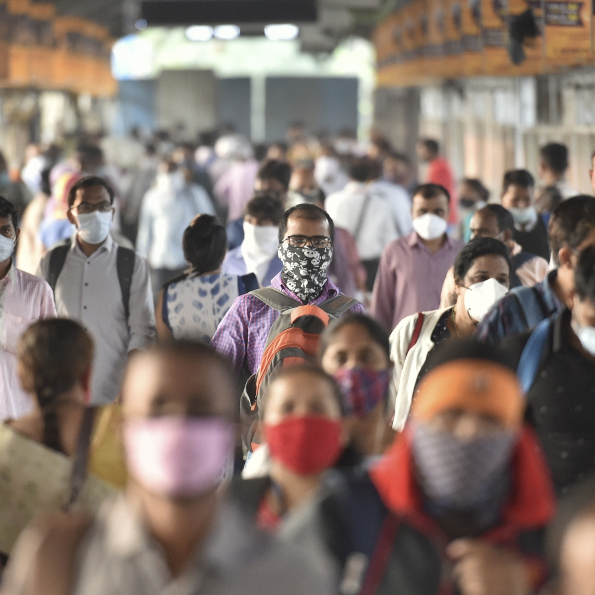Western Railway collects over Rs 21 lakh fine from passengers travelling without mask