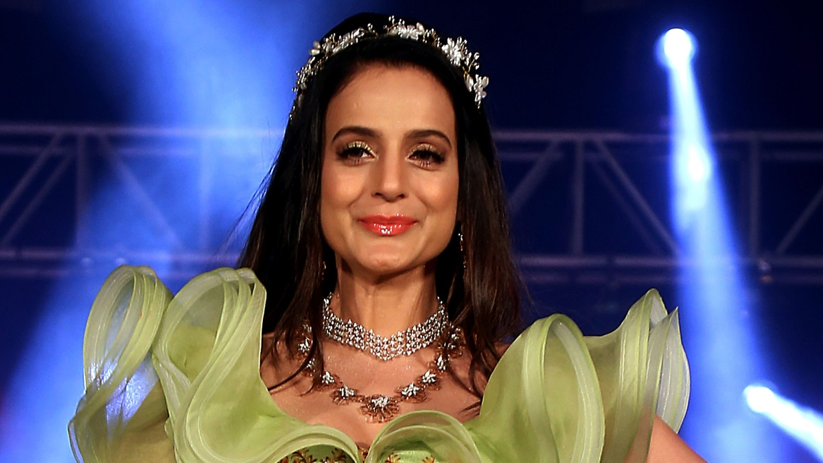 Ameesha Patel accused of cheating film producer of Rs 2.5 crore; Jharkhand HC seeks response