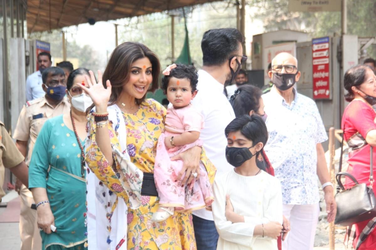 In Pics: Shilpa Shetty's daughter Samisha turns 1, actor visits Mumbai's Siddhivinayak Temple with family