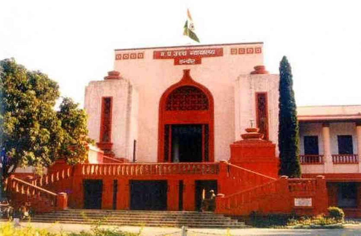 Indore: High Court tells police to bring  jailed coloniser out of prison to sign sale deeds and then escort back to jail