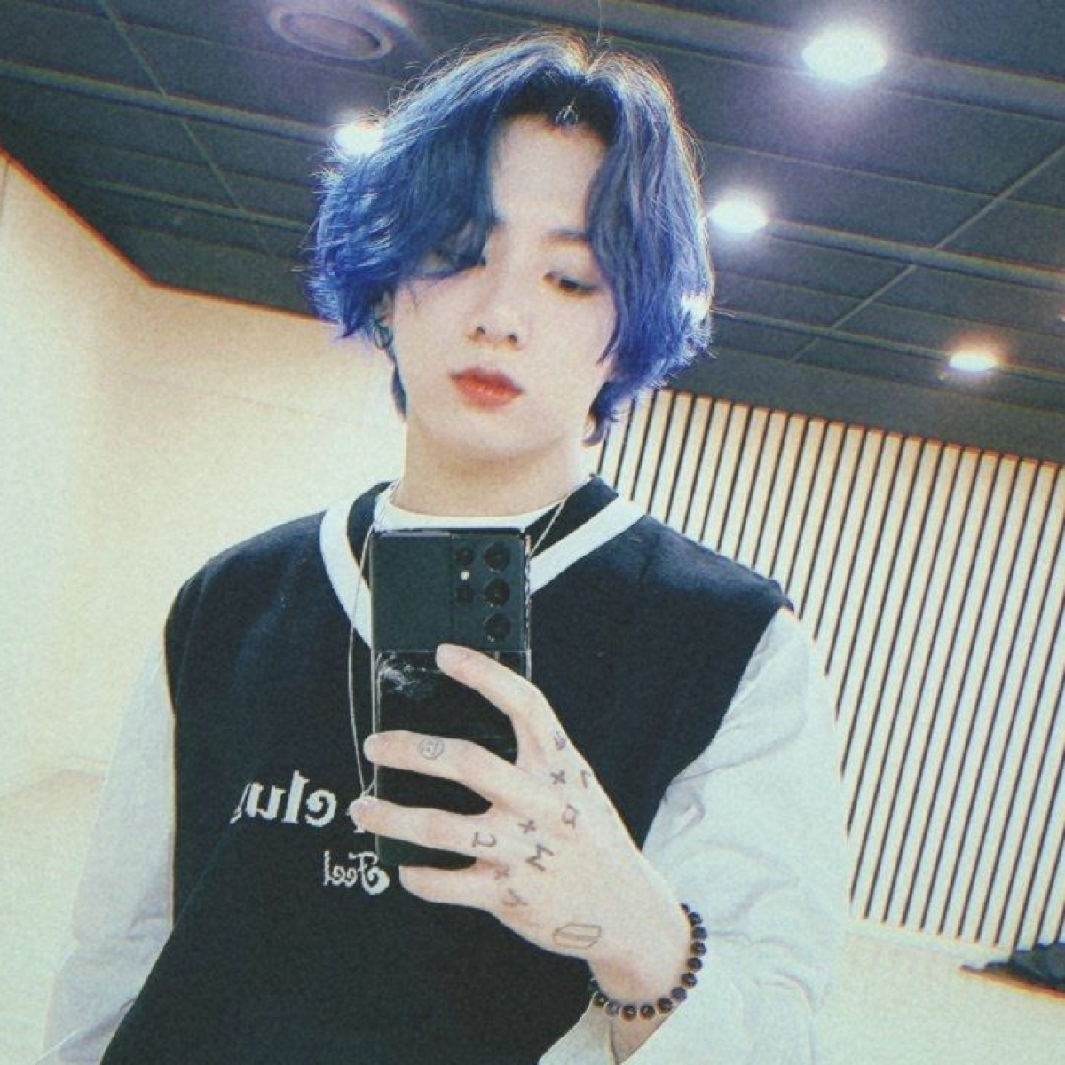 'Purple' trends on Twitter as BTS maknae Jungkook flaunts new hair colour