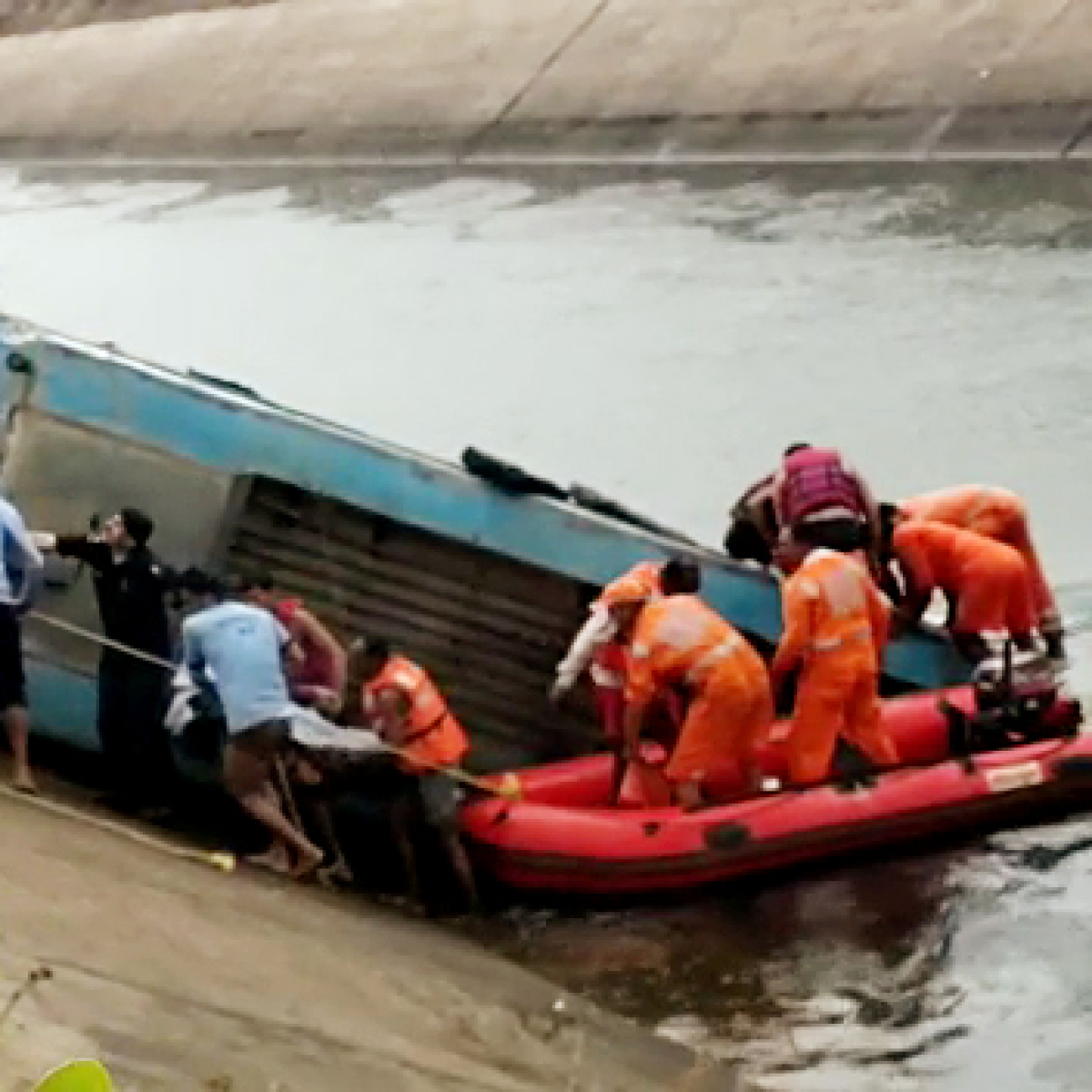 BUS TRAGEDY in Madhya Pradesh: Two more bodies taken out from Bansagar canal in Sidhi district