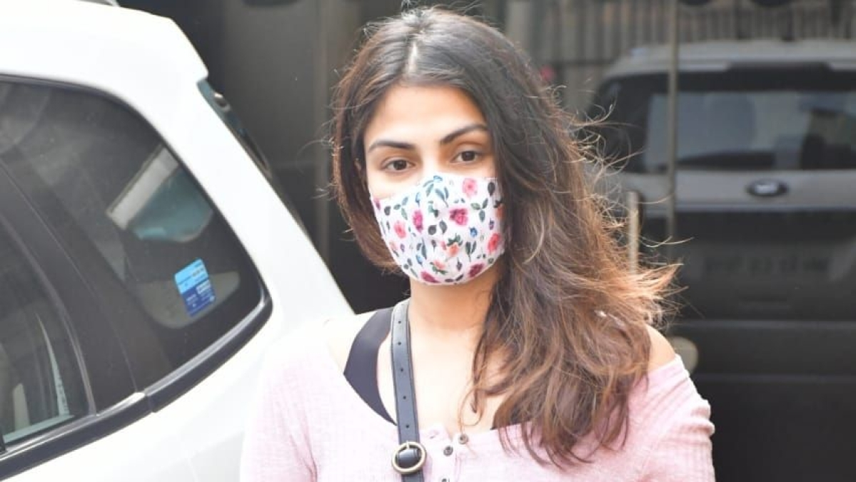 Rhea Chakraborty, 32 others named in SSR drugs probe charge sheet