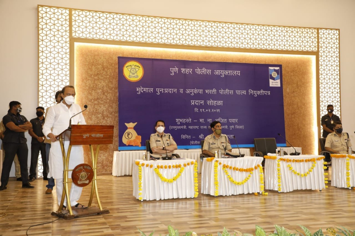 At cop event, Maha Dy CM Ajit Pawar speaks of officers using costly cars gifted by businessmen