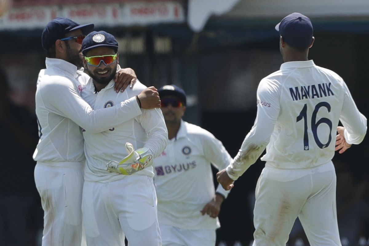 IND vs ENG, 2nd Tets: Rishabh Pant takes two one-handed stunners as India bundle out England for 134 on day 2