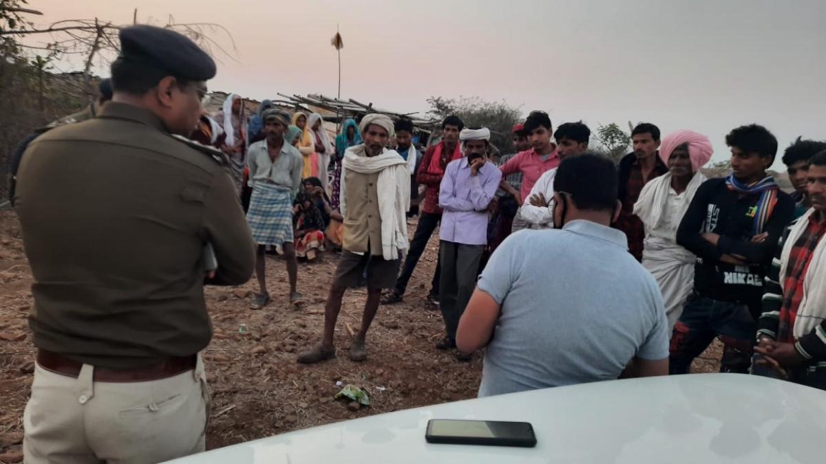 Madhya Pradesh: Tehsildar, excise officers meet victims of spurious toddy in Kudadipura village