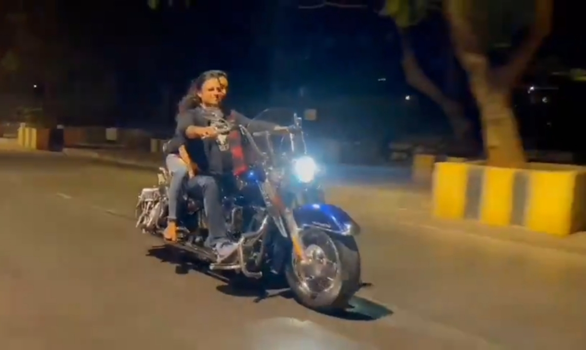 'Be safe, wear a helmet & a mask': Vivek Oberoi after Mumbai Police issues e-challan of Rs 500 for flouting norms