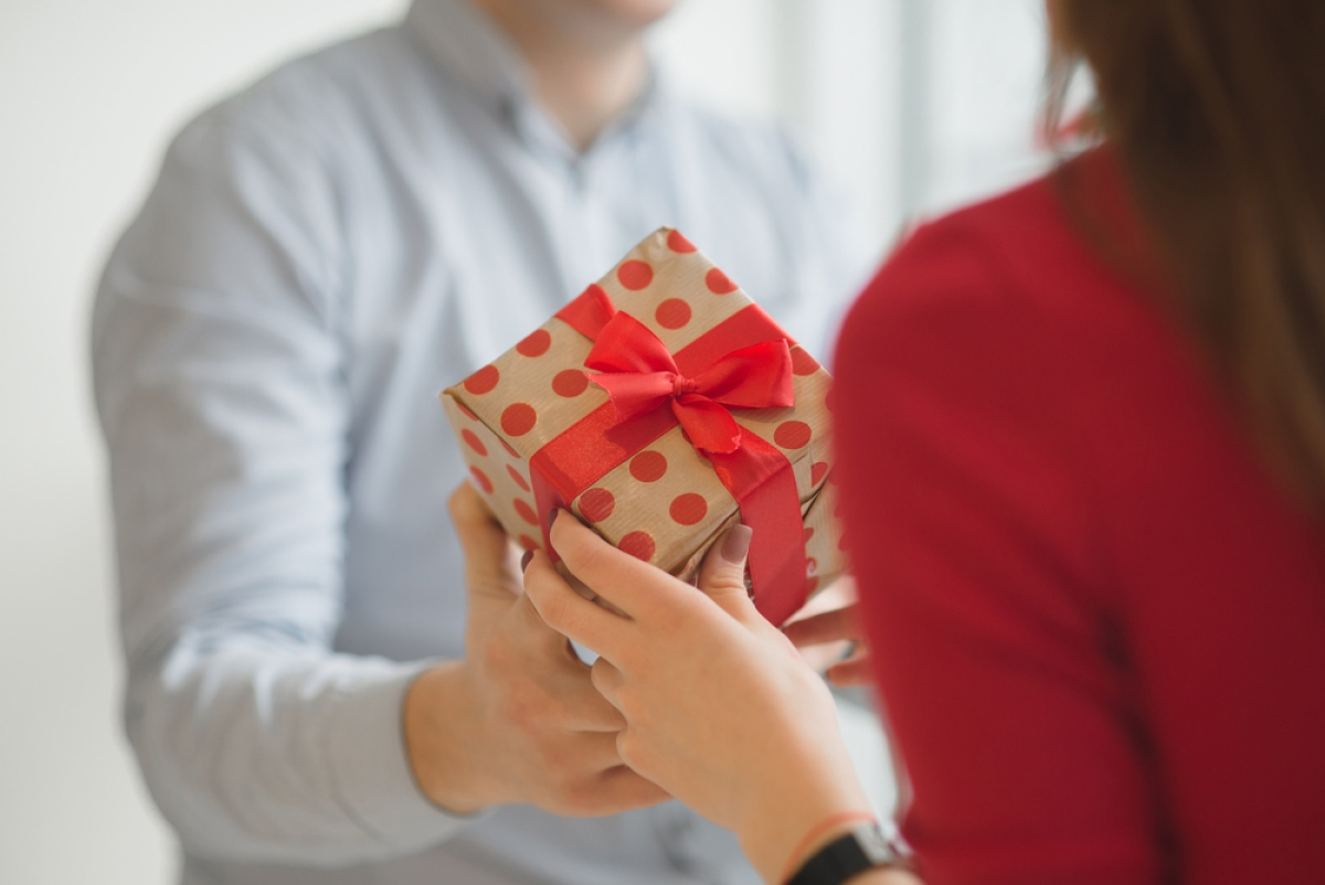 Valentines Day 2021: Traditional gifts take a back seat in India