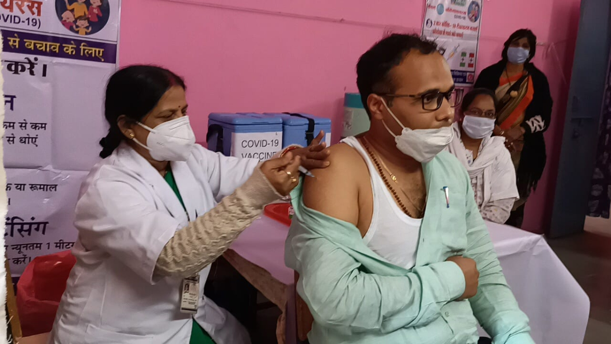 Madhya Pradesh: Administrative officials get jab against Covid-19 in various districts of the state