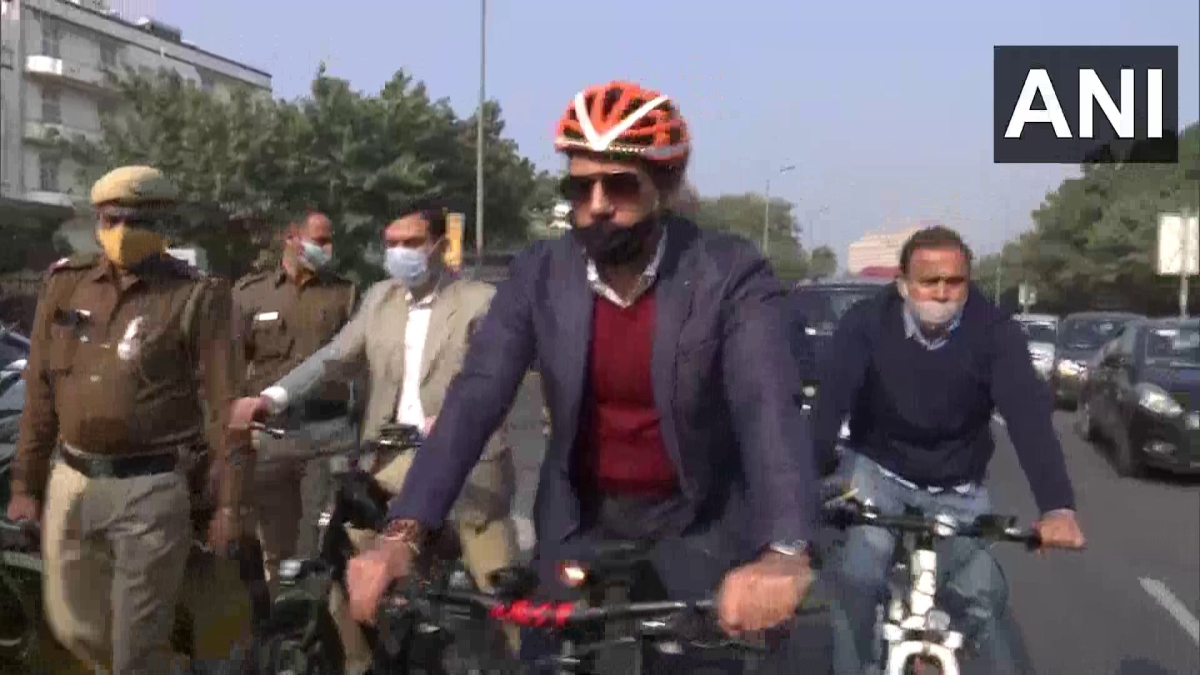 Delhi: Robert Vadra rides a bicycle to his office in protest against rising fuel prices