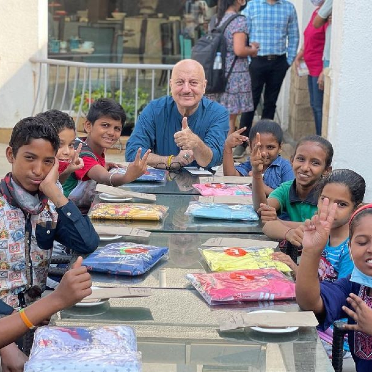Pawri Ho Rahi Hai: Anupam Kher celebrates his 66th birthday with 'friends'; shares videos